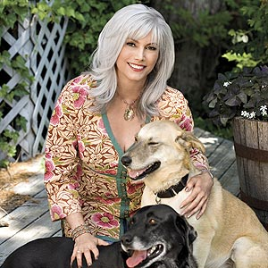 Emmylou Harris  provides shelter for rescued pets at her very own Bonaparte's Retreat...